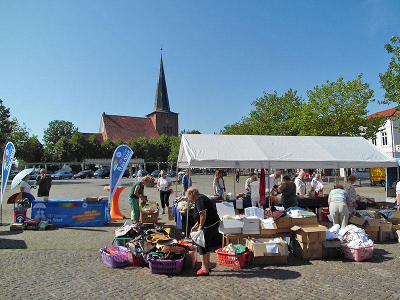 DSCI0749-Flohmarkt-Kleiderstube-06082015